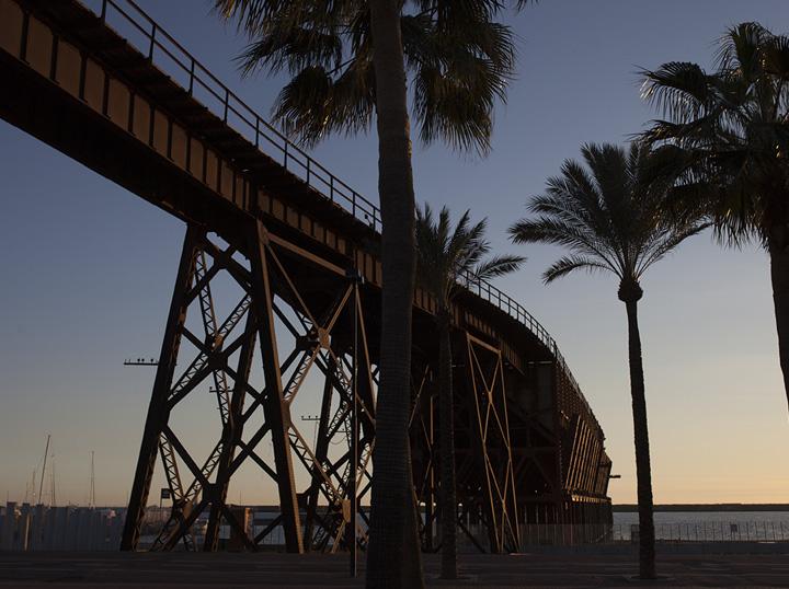 El entorno del residencial:  El centro de Almería mira al mar